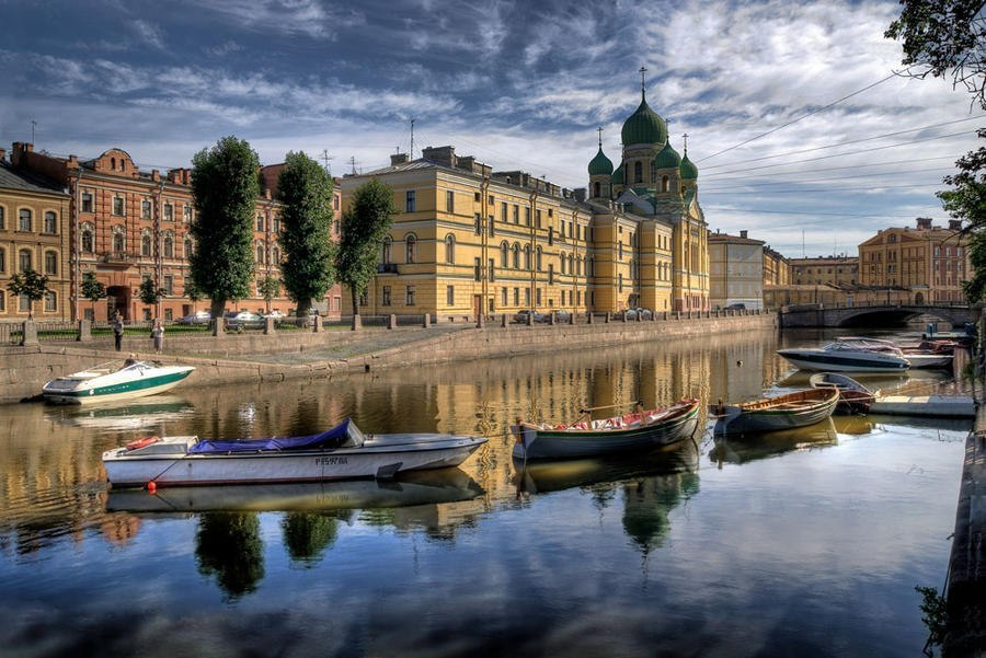 Аренда теплохода в Санкт-Петербурге
