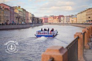 Прогулки по рекам и каналам СПб