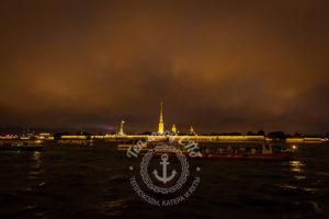 Прогулка на теплоходе в Санкт-Петербурге